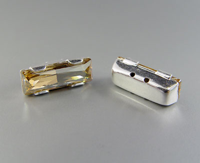 SWA-111004 Baguette Rectangular 15x4mm con 4 Agujeros - Cristal GOLDEN SHADOW